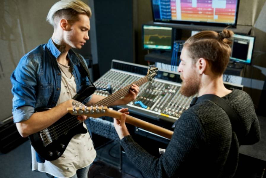 Make Collaborative Songwriting a Success