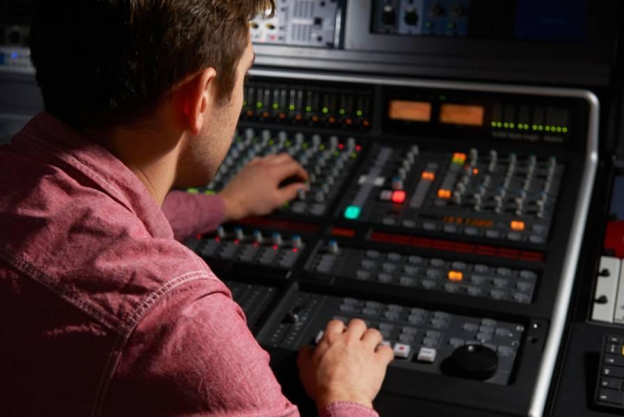 Why Use a Pro Recording Studio?