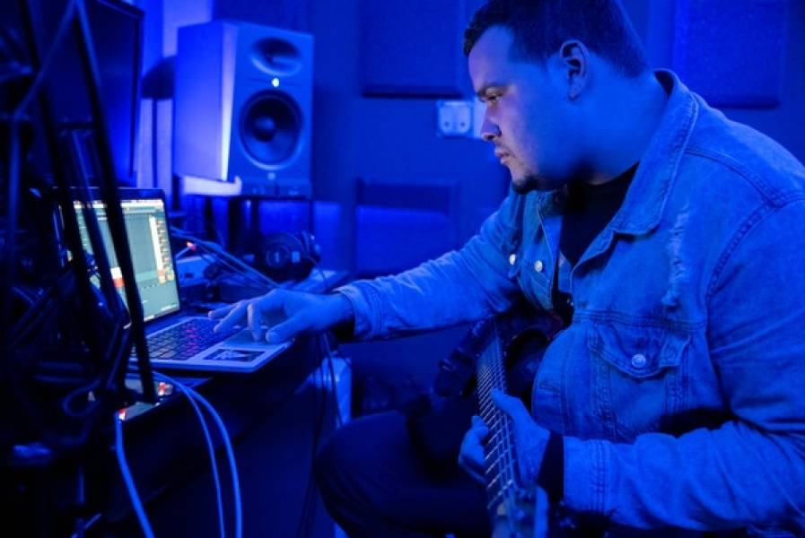 Working With Online Musicians