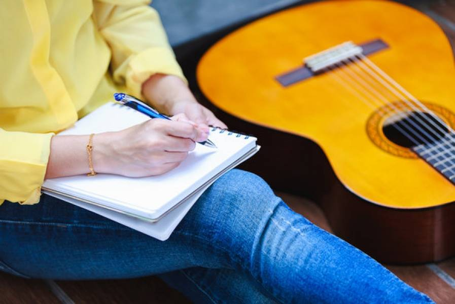 How to Write a Song: Guide for First Timers