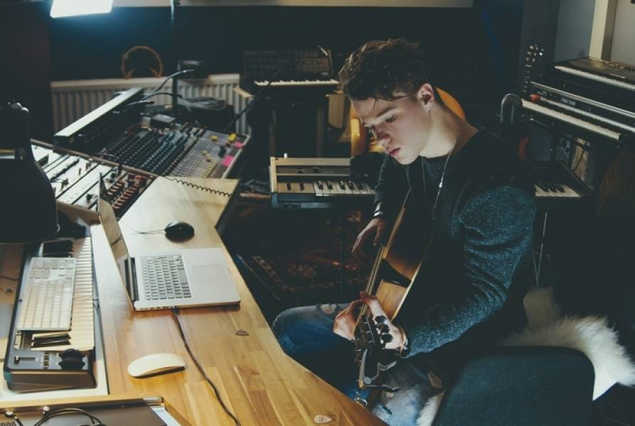 How To Be A Better Songwriter
